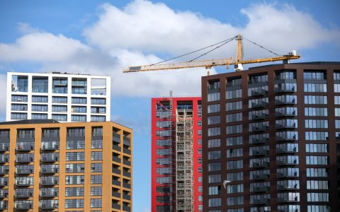 从纽约到多伦多,从伦敦到悉尼--城市公寓的租金正在暴跌。现在是你谈判的时候了。