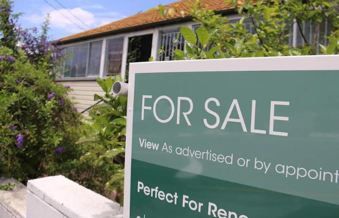 分析师警告说,澳洲房地产繁荣可能会因监管机构或经济趋势而停止