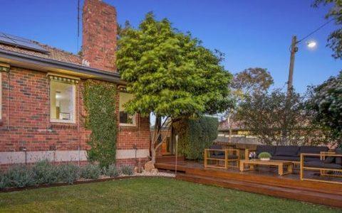 墨尔本拍卖会科堡的公寓比底价高出40万澳元