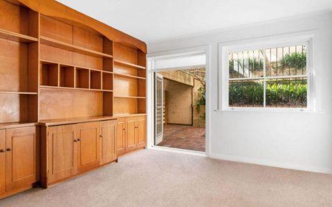 政治评论员Jake Thrupp在悉尼双湾买下了房子
