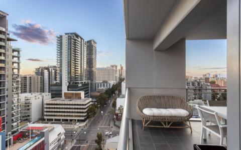 缩小规模的需求使珀斯的新公寓销售达到五年来的最高水平