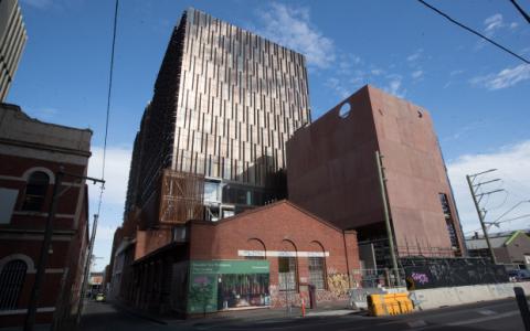 里奇-李斯特支持的非银行将资助完成格罗肯大厦的建设