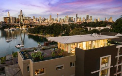 激光诊所老板在巴兰加洛的皇冠大厦购买了2200万元的公寓