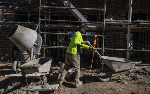 建房者热潮过后建筑审批量下降