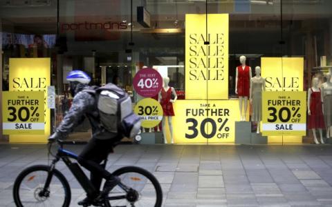 零售销售遭受自第一波COVID-19以来的最大打击