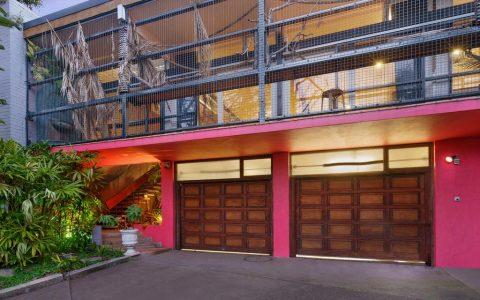 位于黄金地段的独特莫斯曼住宅在20年后进入市场
