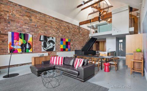 梦想租房:仓库改造有独特的以航海为主题的设计