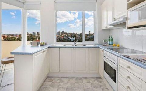 曼利两居室公寓在三叉戟大厦以近300万元的价格售出