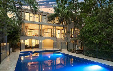 彼得-奥弗顿和杰西卡-罗升级到1100万元的沃克卢斯住宅