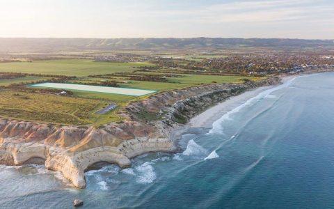 威伦加港海岸线上的英亩地产,提供难得的机会