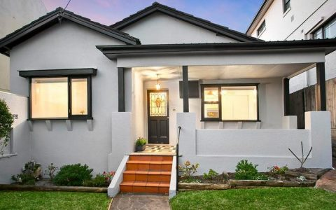 库吉加州平房的售价比18个月前的最后一次交易高出54%