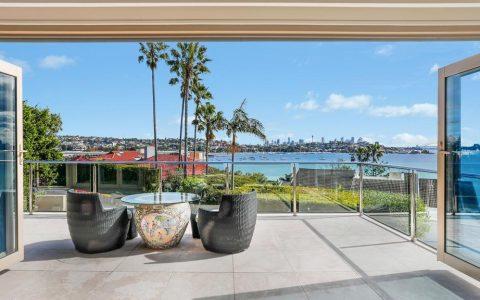 时尚大师桑德拉-莫斯迷人的玫瑰湾住宅有1500万元的指南