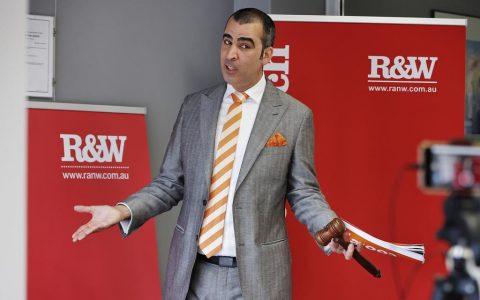 悉尼拍卖会在住房短缺的情况下,悉尼西部的纤维房以140万澳元售出